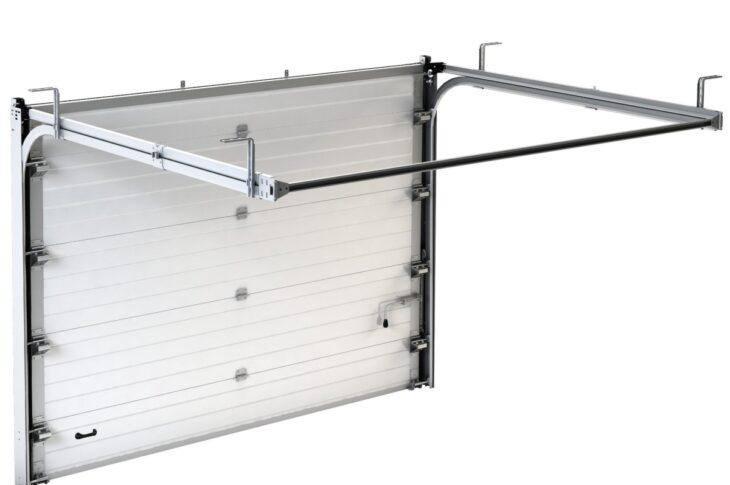 Секционные ворота в проем 3000×2200