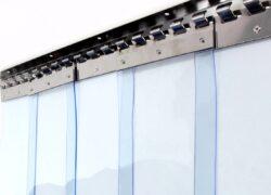 ПВХ завеса ш2000 в2200 (морозостойкая полоса 2х200мм)